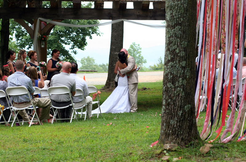 Paula_Combs_PhotoCombs_Overstreet_Wedding_Kiss