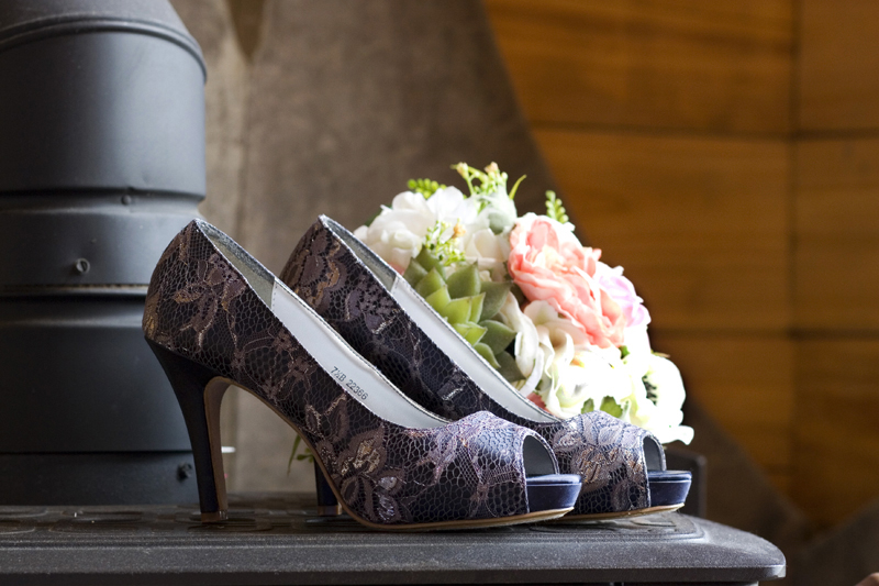 Paula_Combs_PhotoCombsOverstreet_Wedding_Shoes